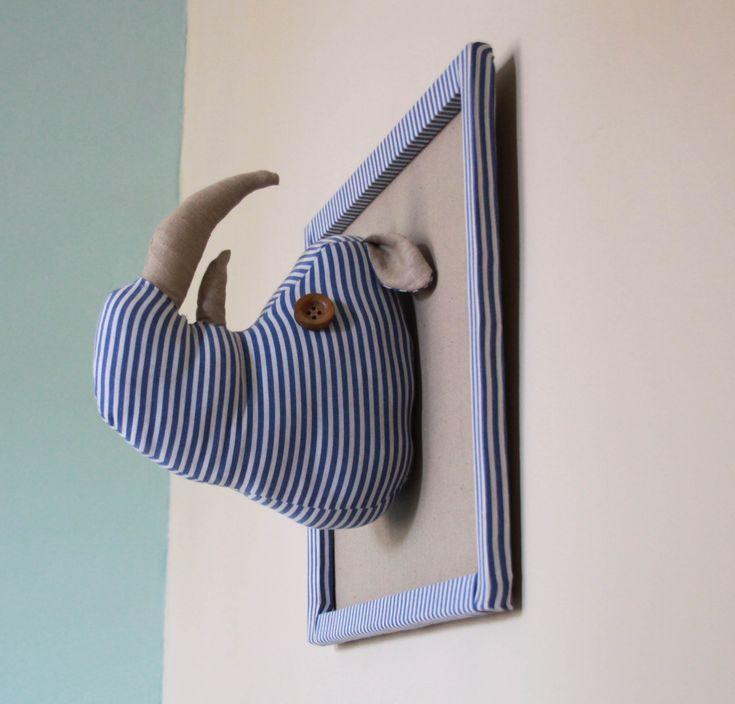 Facile à réaliser, une tête de rhino pour la chambre de votre tout petit ;)