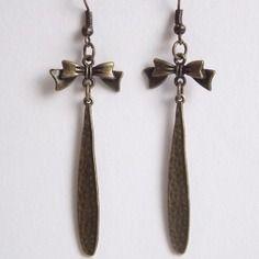 Boucles d'oreille nœud et tige bronze