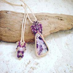 今日のマクラメ。 チャロアイトマクラメペンダント。 #MacrameJewelryMANO #macrame #マクラメ #handwork #handmade #bohemian #hippie #gypsy #ethnic #tribal #naturalstone #gemstone #stone #天然石 #accessories #pendant #チャロアイト #charoite #purple