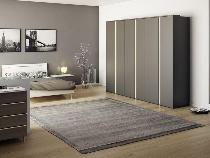 Elegant H lsta Multi Forma II Hinged and Folding Door Wardrobes Chaplins