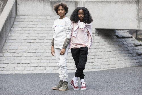 b2f2429070f581 Accogliente in Trackpants e Jogging nel Lookbook Back-to-School di Kids  Foot Locker