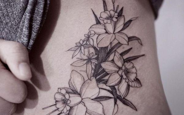Enticing Daffodil Tattoo Design 2019 Daffodil Tattoo Daffodil Flower Tattoos Narcissus Flower Tattoos