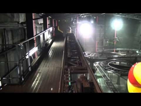 Scooby Doo Spooky Roller Coaster Lights On POV Warner Bros Movie World Australia - YouTube