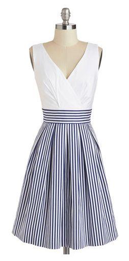 Nautical stripes http://rstyle.me/n/iatzen2bn