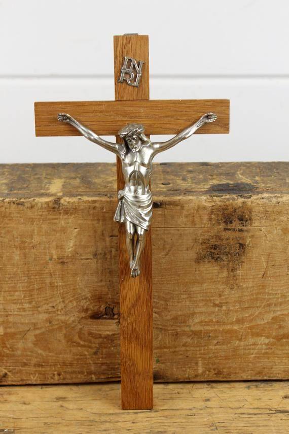 12 Inch Vintage Wooden Silver Metal Wall Crucifix Etsy Metal Walls Triangle Hanger Wooden
