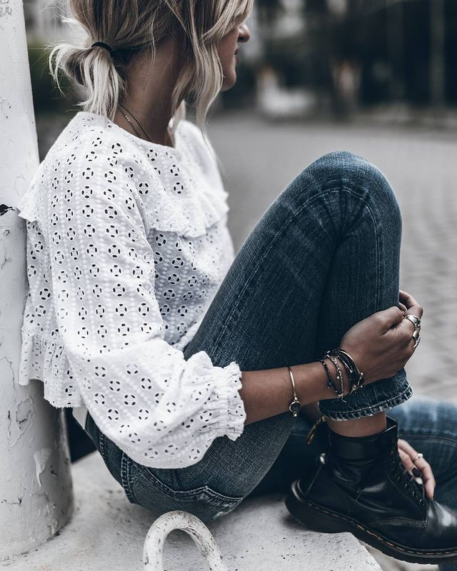 White floral shirt white floral shirt grey high waisted pants black boots high waisted jeans