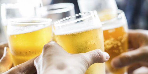 Descubre 10 grandes beneficios de beber cerveza -  Agua, cebada y lúpulo. Estos son los tres ingredientes de la cerveza, bebida fermentada de baja graduación que,si se consume con moderación, puede tener un papel preventivo en algunas enfermedadesy aportar beneficios a nuestro organismo. De hecho, al contrario de lo que la gente cree, la cerv... - https://notiespartano.com/2018/03/08/revelan-10-beneficios-beber-cerveza/