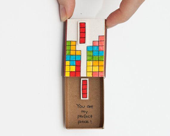 """Tarjeta de amor Tetris friki / tarjeta de aniversario / pequeño amor tarjeta Matchbox """"Eres mi pieza perfecta"""" / caja de regalo / caja del mensaje / LV010"""