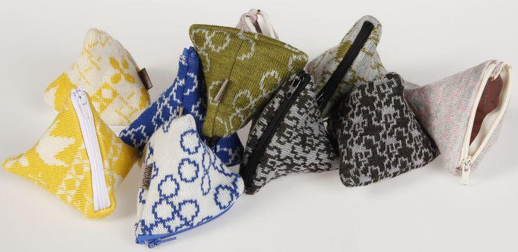 TARTTUVAdesign NIDABA viltit ja pussukat ovat neulottu merinovillasta. Materiaalina on käytetty bluesign sertifikoitua lankaa.Tuottet ovat valmistettu ja suunniteltu Suomessa. TARTTUVAdesign's NIDABA quilts, coin purses and pouches are made of merino wool.The used material is bluesign certificated. NIDABA products are made and designed in Finland. www.tarttuva.com