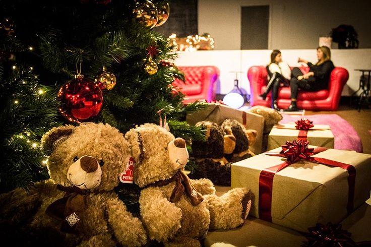 Sotto l'albero di Natale.