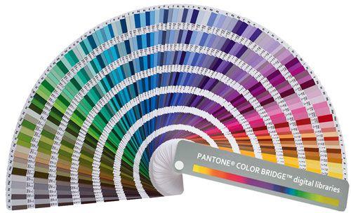 Pantone skála  A nyomdaiparban használt leggyakoribb színskála a Pantone skála. Ez a színgyűjtemény főleg olyan színeket tartalmaz, melyek nem keverhetők ki a 4 alapszínből (CMYK).