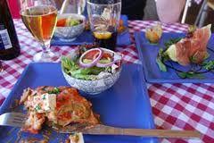 På Salvatores Trattoria äter du alltid fantastisk god Italiensk mat! Vi finns med i White Guide.
