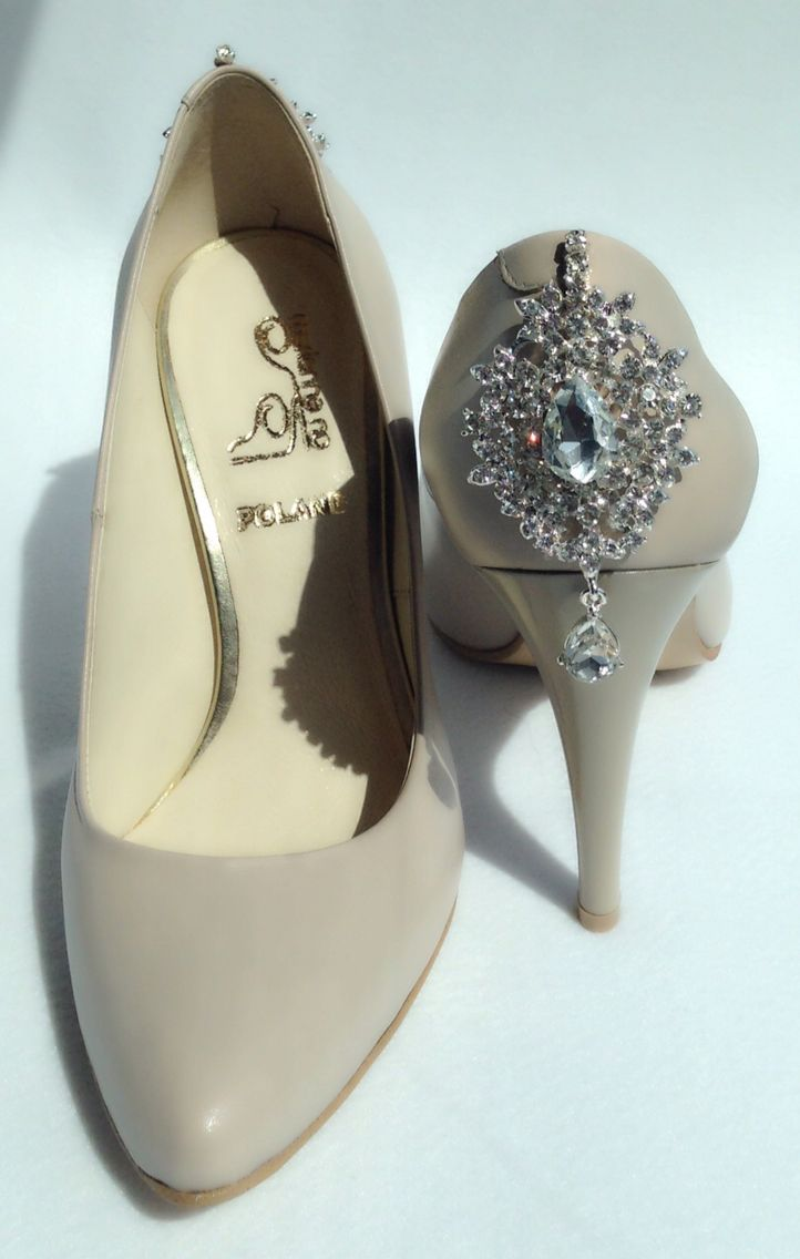 Wedding shoes with jewelry