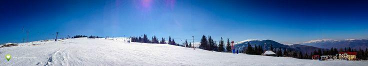 Panoramă de sus de pe Pârtia Platoul Soarelui, click pentru versiunea mai mare