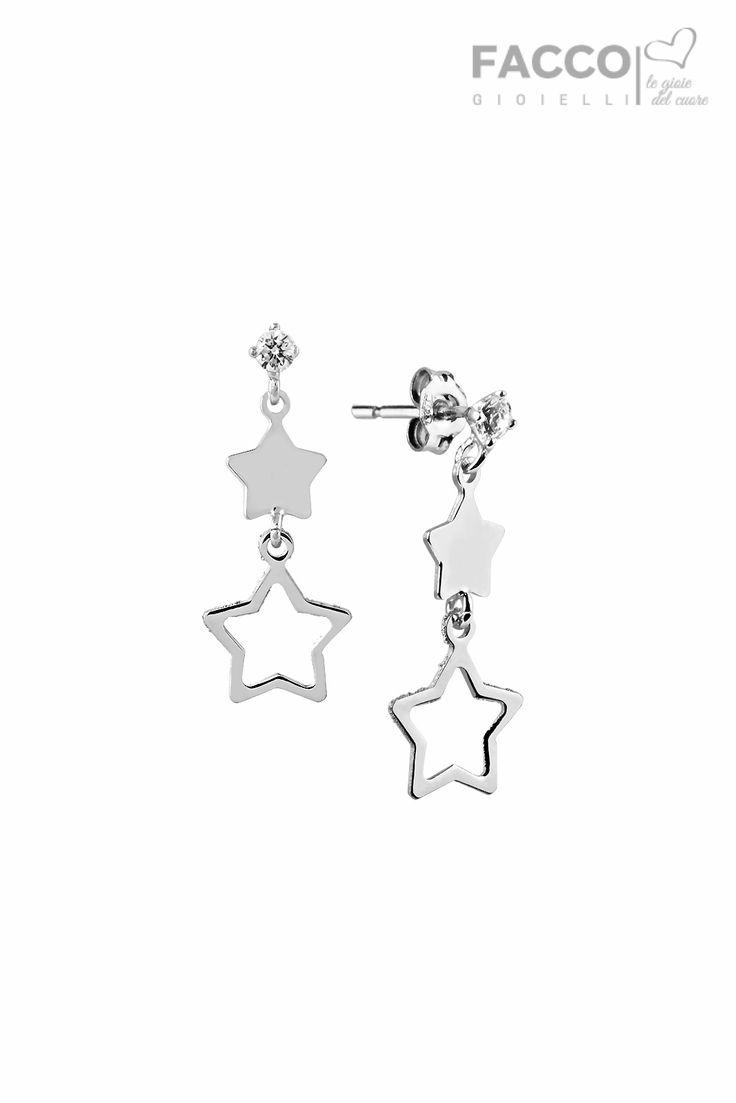 Orecchini pendenti donna, Facco Gioielli, in oro bianco 750‰, zircone e due stelle.