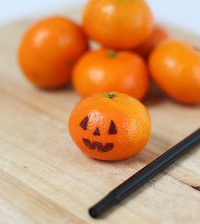 Clementine Pumpkins   Community Post: 14 Creative And Easy Last Minute Halloween Treats