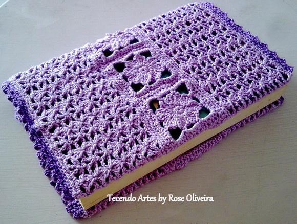 Easy Crochet Bible Cover Pattern : 17 Best ideas about Crochet Book Cover on Pinterest ...
