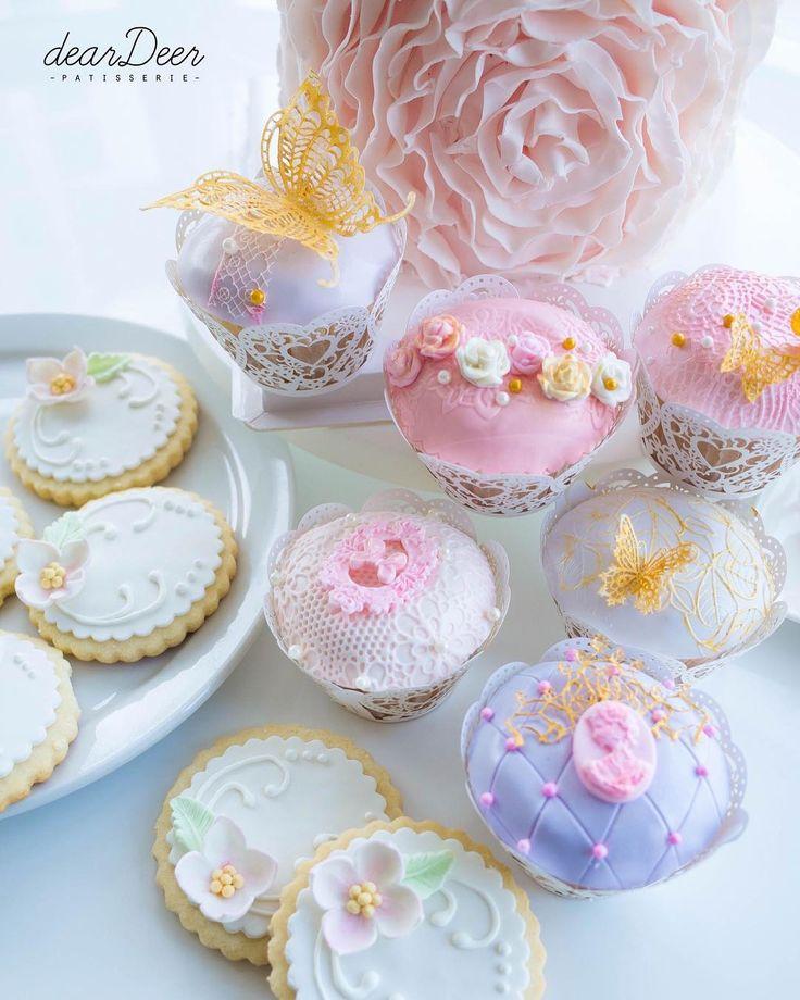 #sweettable  Wechat: dearDeerPatisserie Weibo: deardeerpatisserie Facebook: deardeerpastry deardeerpastry@gmail.com  #dearDeer #deardeerpastry #deardeerpatisserie #caketoronto#birthdaycake #sweettable #pastrytoronto #cake #flowers #italianmeringuebuttercream #cupcakes #toronto #icingcookies #weddingcake #bouquet #buttercreamflower #buttercreamflowercake#homebaker #cakedesigner #homemade #cakestyling