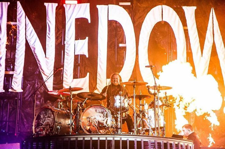 #Repost @vixenvisuals: @bkerchofficial of @shinedown in Phoenix 10.27.16 // vixenvisuals.com  . . . . . . . #concerts #concertphotography #shinedown #shinedownnation #phoenix #talkingstick