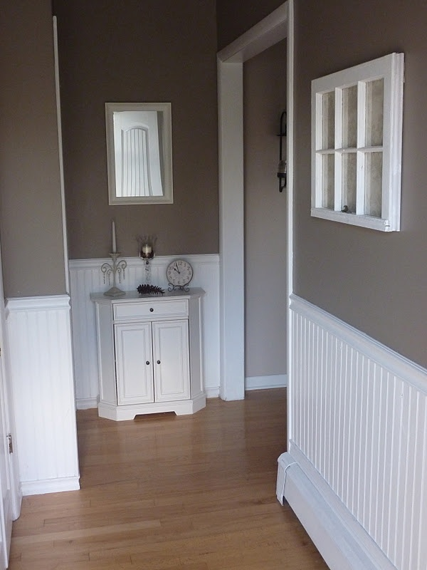 Cottage Living DIY:: How to  Make the most of a small foyer!
