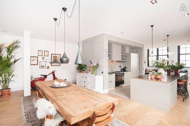 Regardez ce logement incroyable sur Airbnb : Lux. home + parking in centre A'dam - Appartements à louer