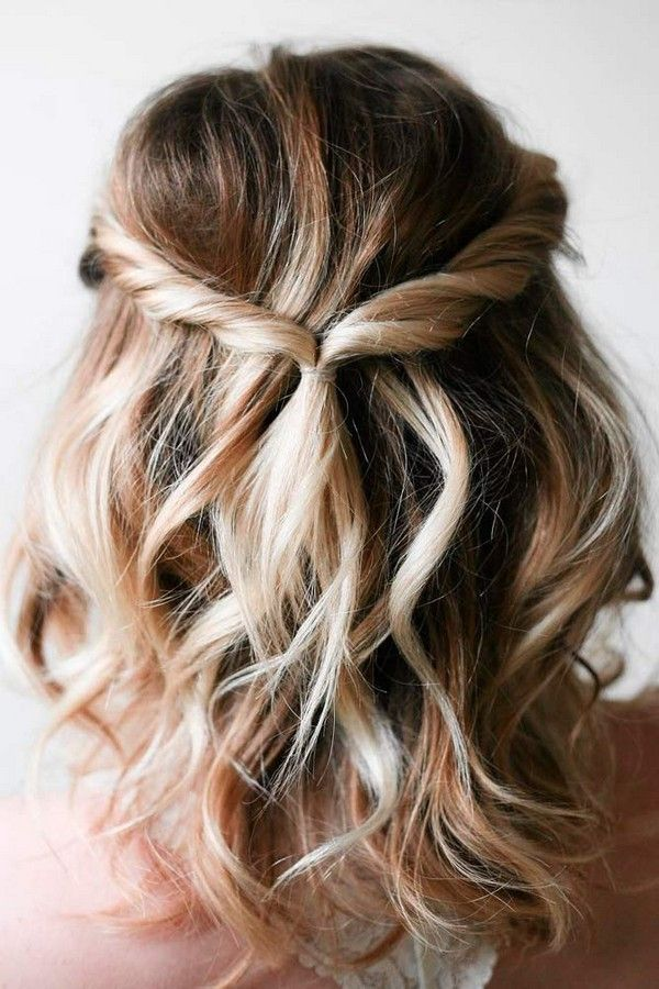 Half Up Half Down Easy Bridal Hairstyles For Medium Length Hair Easy Hairstyles Medium Hair Styles Short Hair Styles