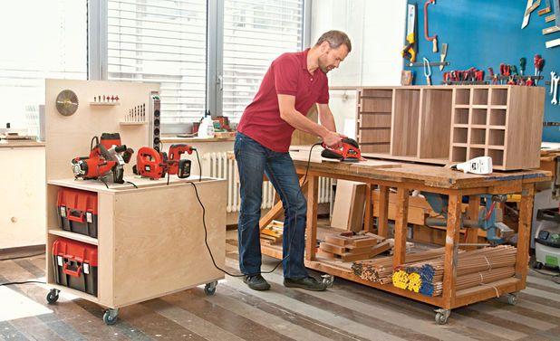 Mit der mobile Werkbank ist das Werkzeug in der Werkstatt immer griffbereit. Wir zeigen, wie man die Werkbank selbst baut.