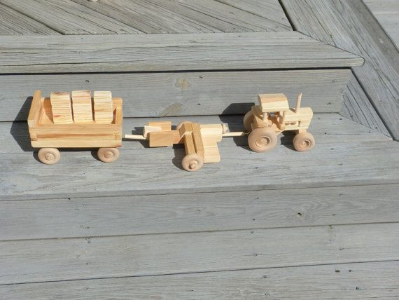 Tracteur de ferme de la main bois jouet avec par OutOnALimbADK