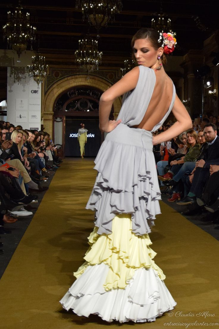 Entre cirios y volantes - Página 4 de 133 - Blog de moda flamenca donde podrás encontrar las crónicas de los desfiles, editoriales y todas las tendencias para vestir de flamenca.