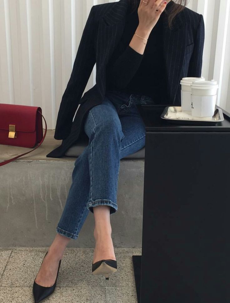 Black blazer, pumps, jeans