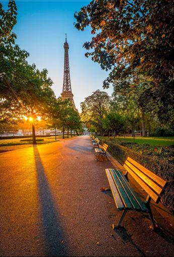 Paris - Tour Eiffel... Réserver un hôtel proche de la tour Eiffel à bas prix. www.trouvevoyage.com/hotels