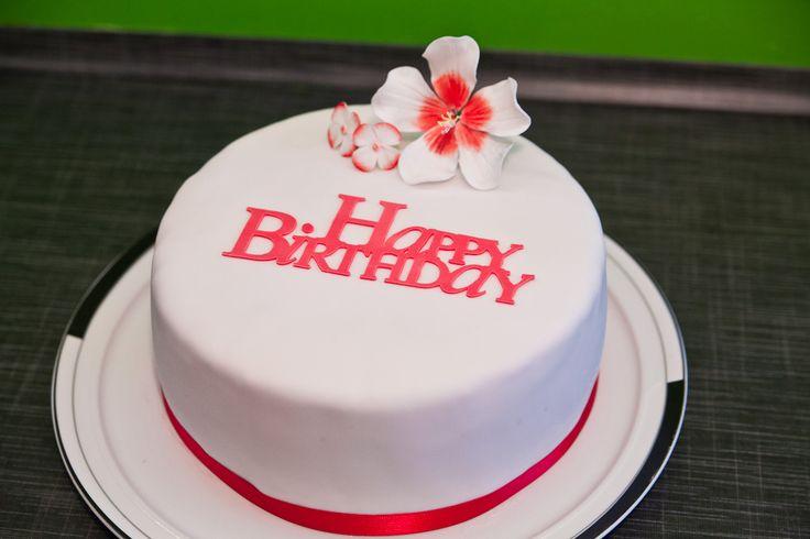 Hello Ihr Törtchenliebhaber!  Gestern habe ich ja diese unglaublich leckere Himbeer-Mascarpone-Torte gemacht und jetzt wollte ich euch noch ...