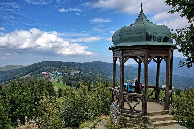 altánek Cyrilka s výhledem do kraje, Radhošť, Czechia