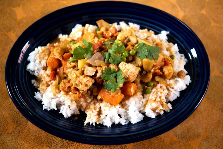 Crockpot Chicken Curry. It's so yummy!! #crockpotchicken