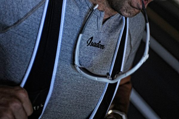 Isadore - 100 % Merino Short Sleeve Baselayer Grey #cyclingmemories
