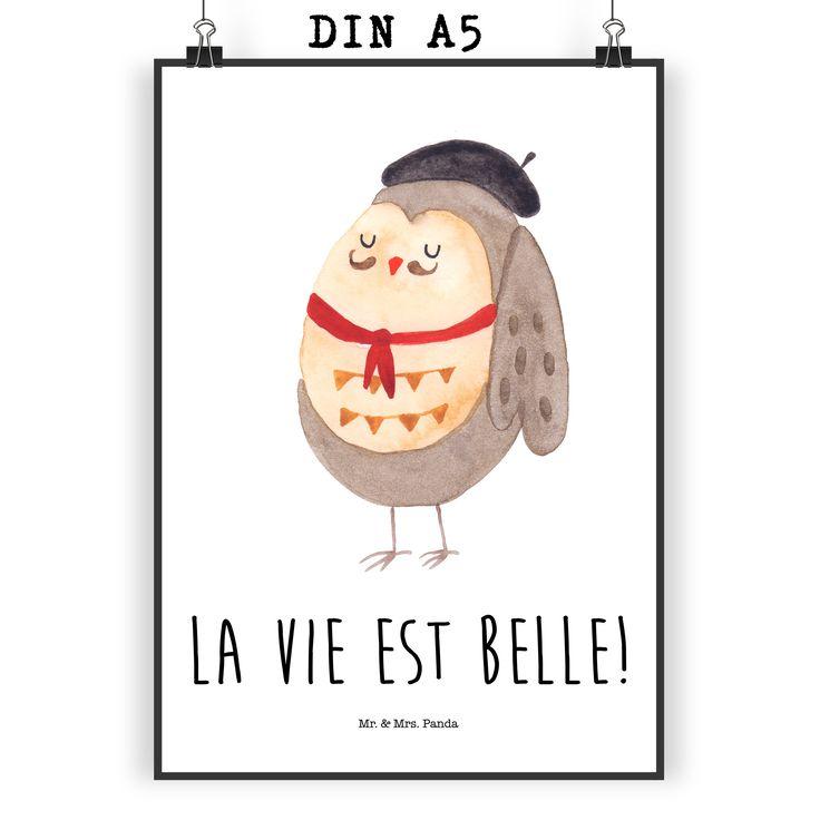 """Poster DIN A5 Eule Französisch aus Papier 160 Gramm  weiß - Das Original von Mr. & Mrs. Panda.  Jedes wunderschöne Poster aus dem Hause Mr. & Mrs. Panda ist mit Liebe handgezeichnet und entworfen. Wir liefern es sicher und schnell im Format DIN A5 zu dir nach Hause. Die Größe ist 148 x 210 mm.    Über unser Motiv Eule Französisch  Ganz nach dem Motto """"La vie est belle"""". Die wunderbare französisch Eule von Mr. & Mrs. Panda.    Verwendete Materialien  Es handelt sich um sehr hochwertiges und…"""