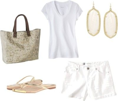 Outfit Three - Fourteen piece, ten day summer vacation packing list with ten outfits and printable packing list!  http://getyourprettyon.com/ten-day-summer-vacation-packing-list/