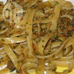 Veganes Pesto aus sonnengetrockneten Tomaten @ de.allrecipes.com