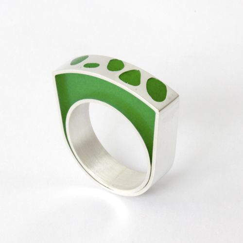 """Anillo """"Cesped"""" Ag 950 y Resina 950."""
