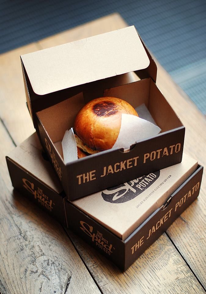 Tuna burgers in take away package. Good and beautiful. PD