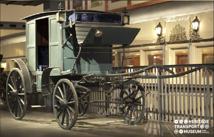 Here's a Dak-ghary, horse- driven post carriage, introduced in India by the British during 1845. :) :) #horsecarriage #oldtimes #British #heritage #transport #museum #photography #explore