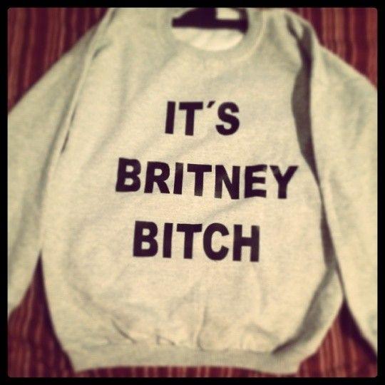 Buzo Nina Carmesí Britney Bitch