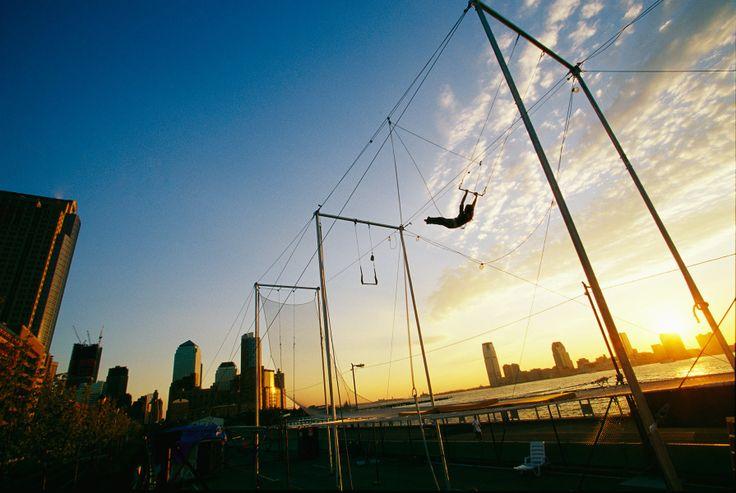 trapeze New York Circus School