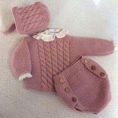 Conjunto para bebé... Ranita, jersey y capota, ideal para la primera puesta.