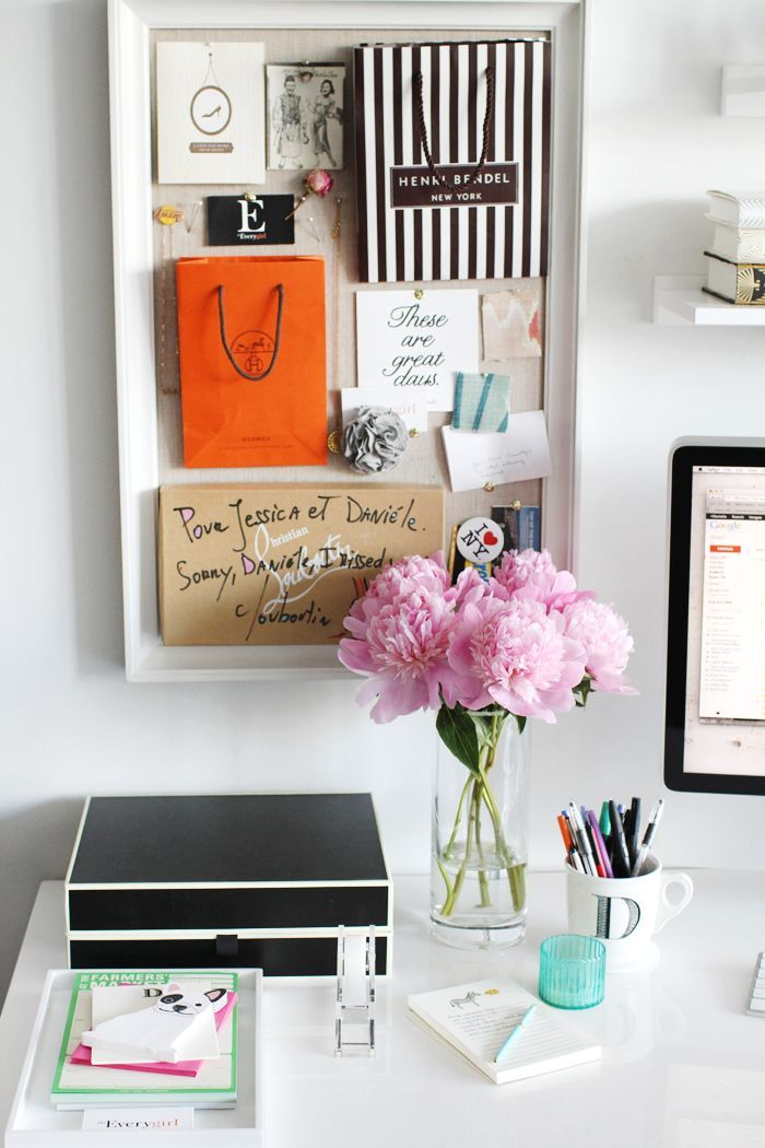 10 best images about desk decor on pinterest feminine for How to decorate office desk