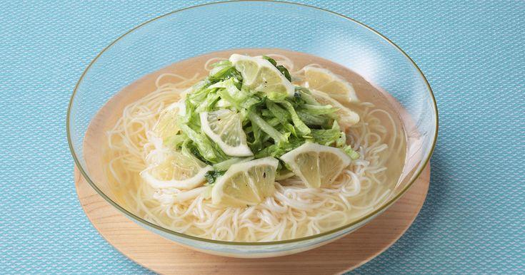 さっぱり&ヘルシー♪本つゆ香り白だしの風味とレモンの酸味でつるっと食べられる涼麺レシピです。