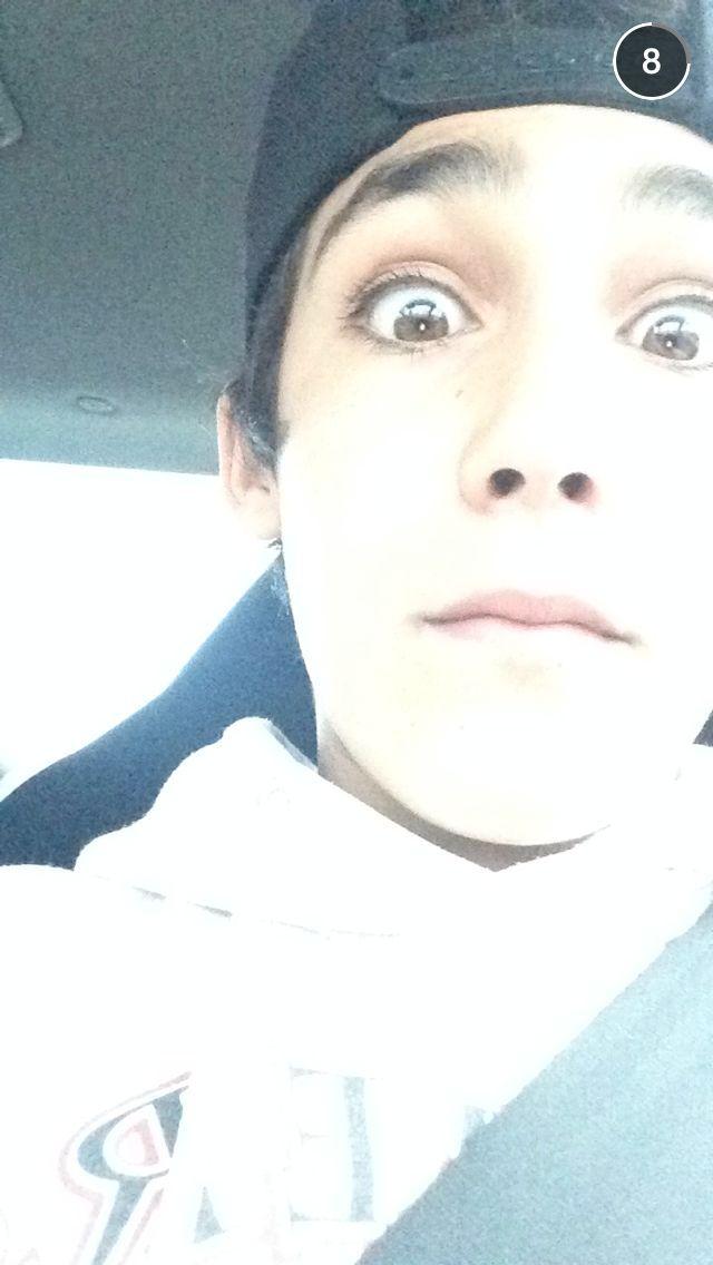 His eyes!>>>>>