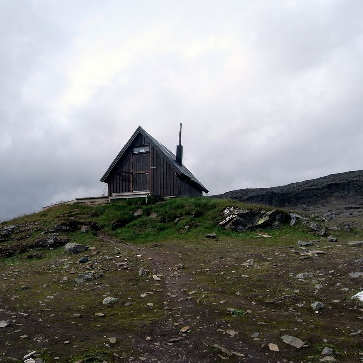 hikers-hut-on-the-tjakta-pass-kungsleden: Tiny House, Cabins Cool Spaces, Hikers Hut, Cabins Group, Retreats Cabins Getaways, Cabin Fever, Cozy Cabins, Cabins Cabins