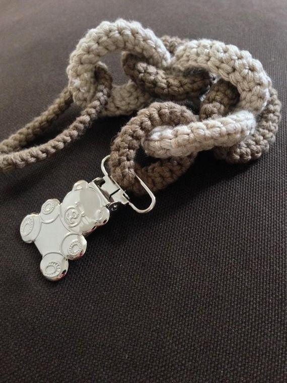 Attache tétine en forme de chaîne au crochet