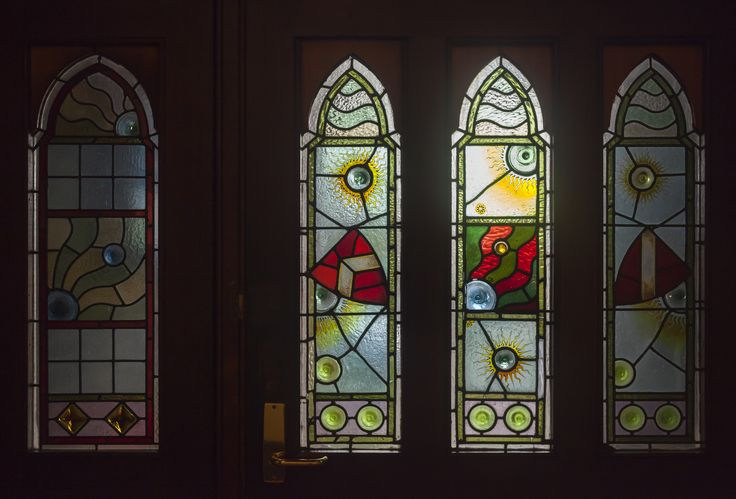 Detail of leadlight window of Kinross House, Arts and Crafts era former manse#Kinross Arts#art gallery#arts#spiritual#Toorak